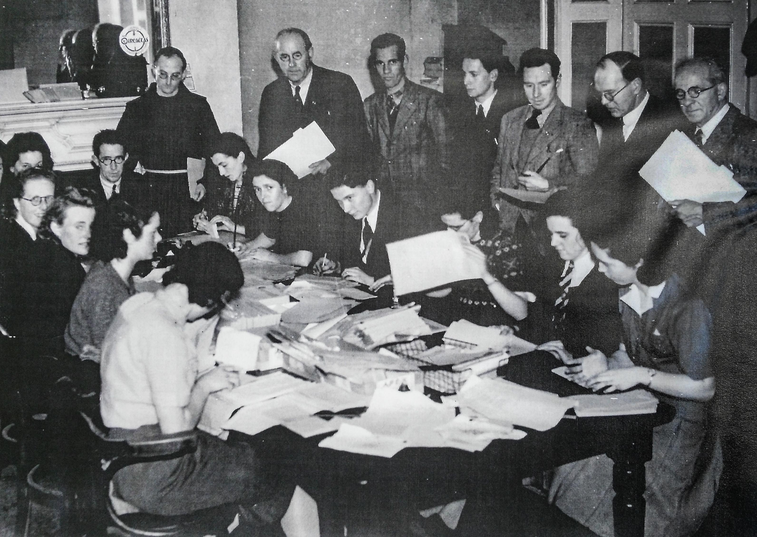 \nGrúpa d'oibrithe deonacha na Comhdhála i mbun oibre, 1943\n